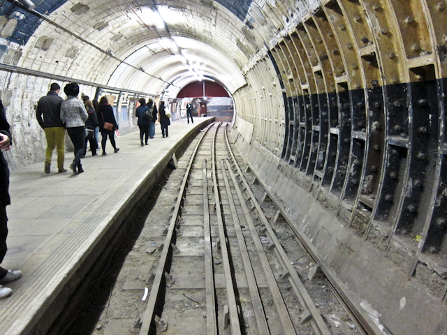 Aldwych Station Tour - Disused platform
